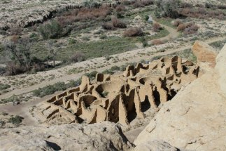 Kin Kletso contained approx. 55 rooms, 4 underground kivas, and a two-story cylindrical tower