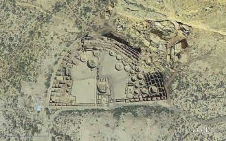 Pueblo Bonito, ariel view in Google Earth.